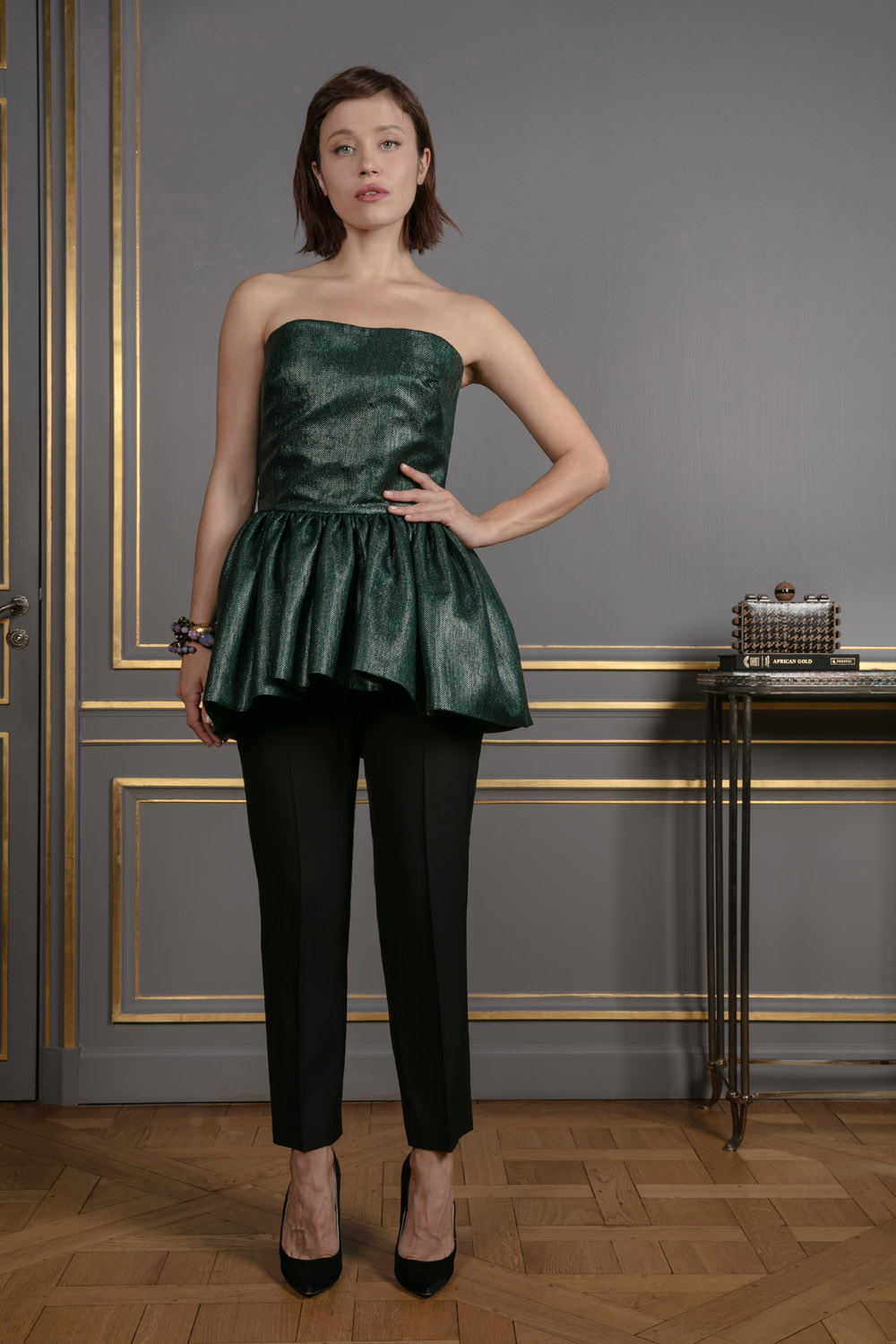 a8bad86aa0 boutiquelessuites.com - LesSuitesOnline buy Martin Grant - Straight black  pants on our website