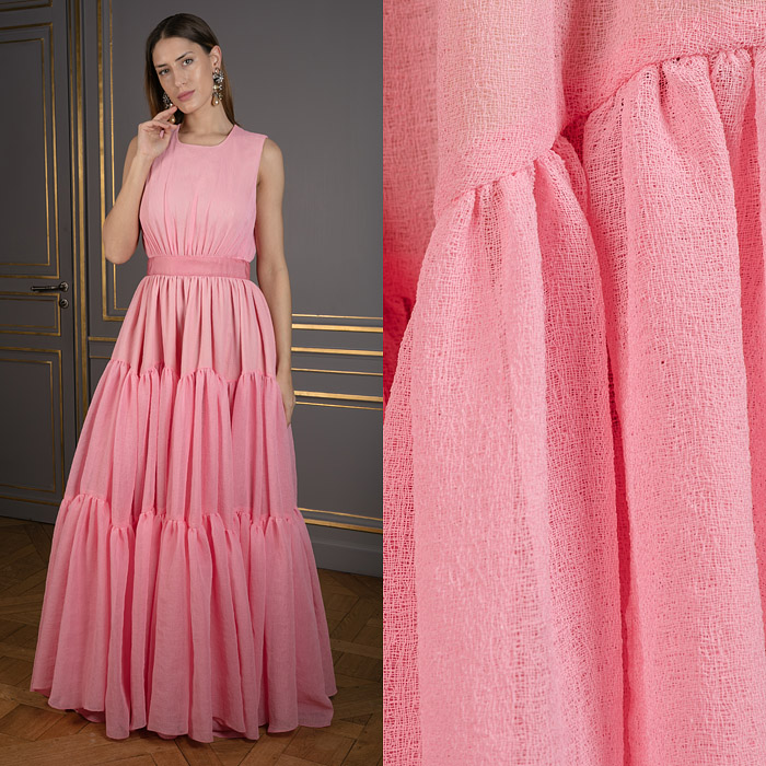 Long fitted gown in pink