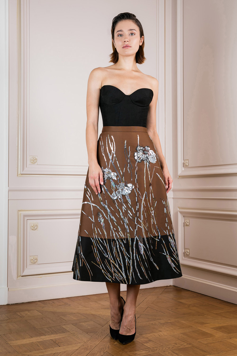 A-line skirt with silver flower embroidery