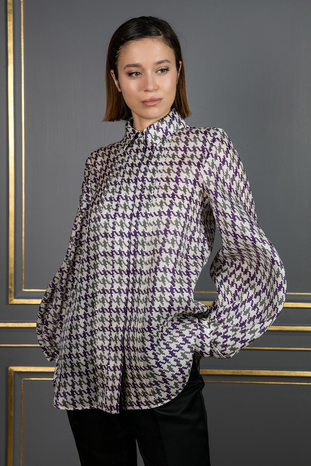 Oversized purple shirt with bishop sleeves
