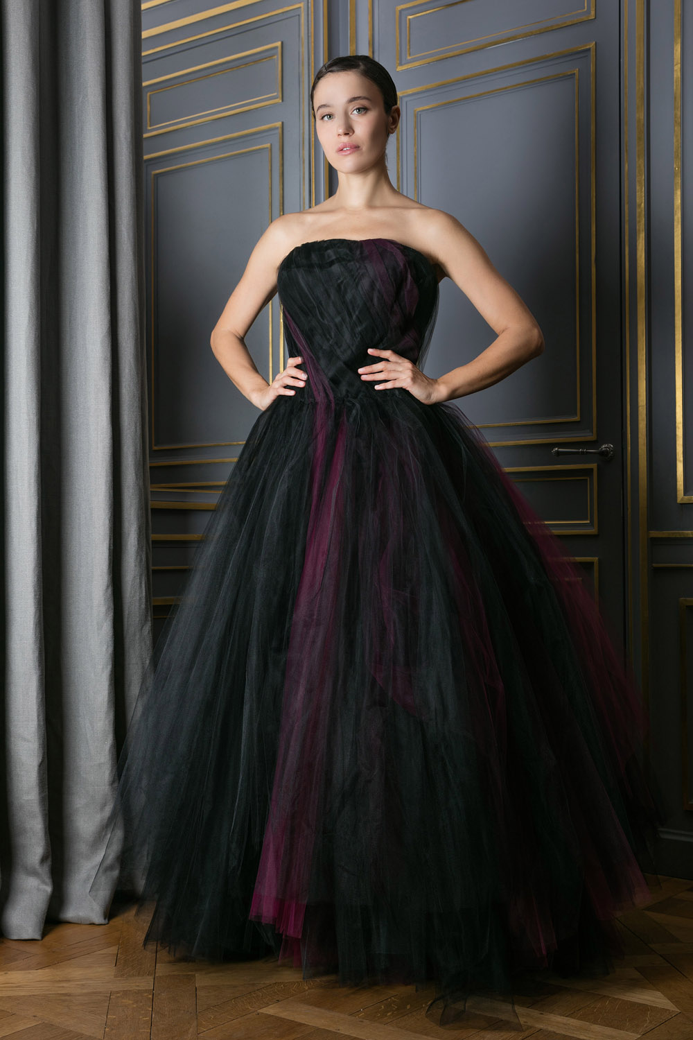 e75666ec34469 boutiquelessuites.com - LesSuitesOnline buy Oscar De La renta -  Floor-length strapless black with purple gown on our website
