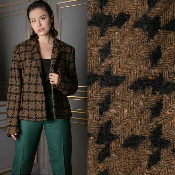 Warm jacket with a houndstooth pattern