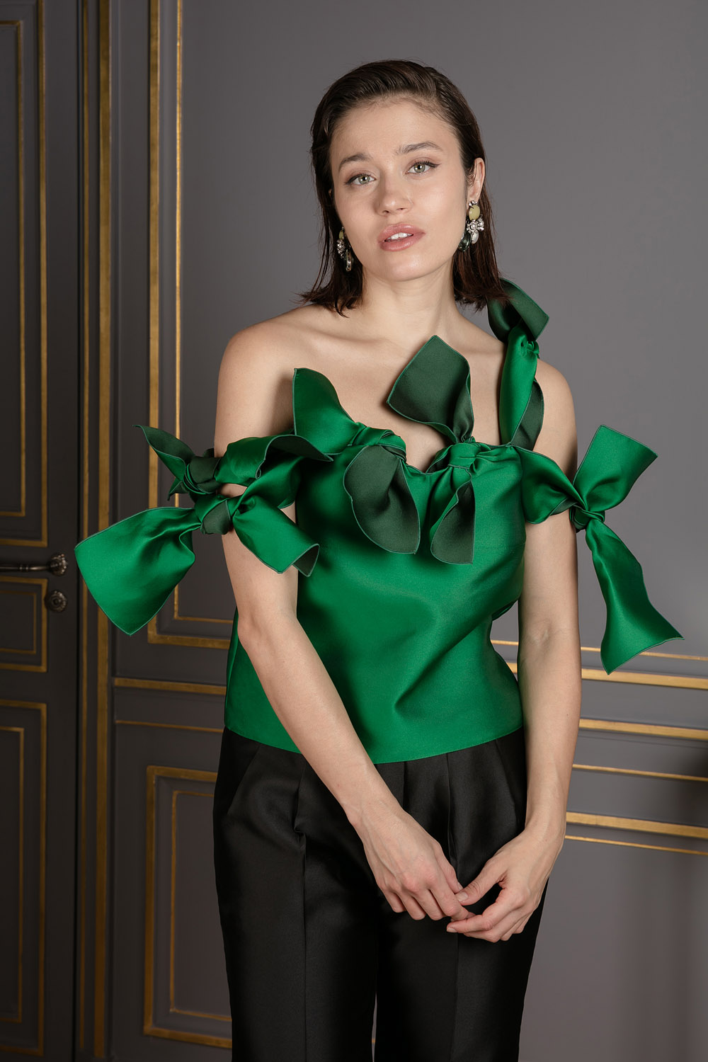 9921bde98 boutiquelessuites.com - LesSuitesOnline buy Maison Rabih Kayrouz - Green  knotted top on our website