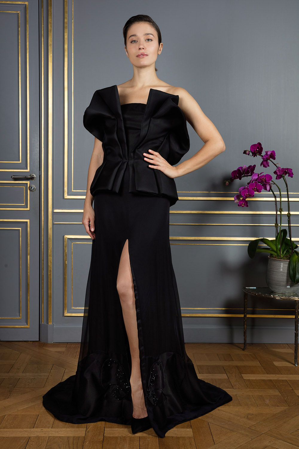 760f243d1e85e boutiquelessuites.com - LesSuitesOnline buy Djaba Diassamidze - Black  strapless gown on our website